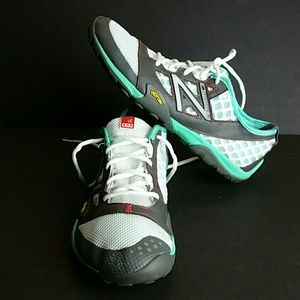 NEW BALANCE MINIMUS WOMEN SHOES